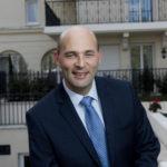 """Xavier Rouy, directeur des résidences Villa Médicis répond à nos questions """"Comment fonctionne une résidence senior ?"""""""
