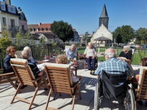 Activités en plein air à la résidence senior Trouville