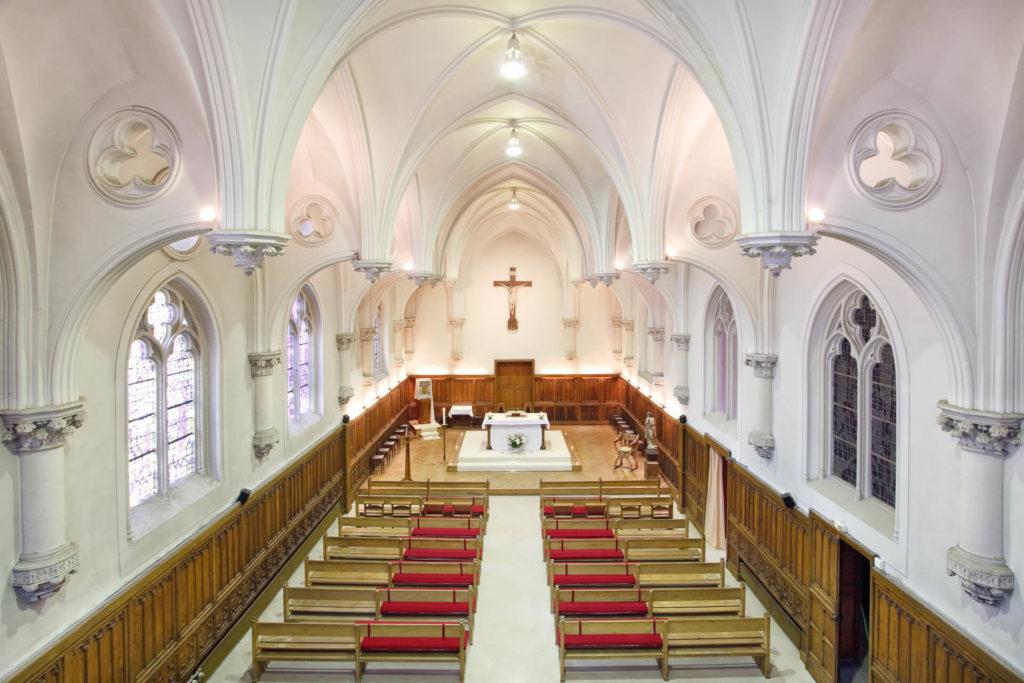 Vue sur la chapelle de la Villa Médicis Autun