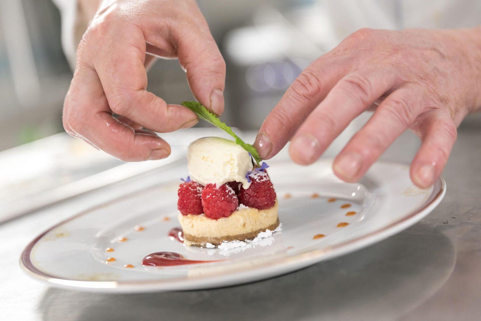 Desserts Framboise dans un des restaurants Villa Médicis