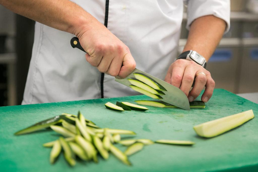 Chef cuisinier Villa Médicis - Julienne de légumes Courgettes