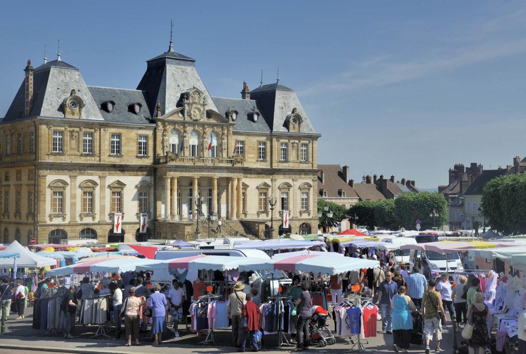 Belle ville de Bourgogne - Marché Autun