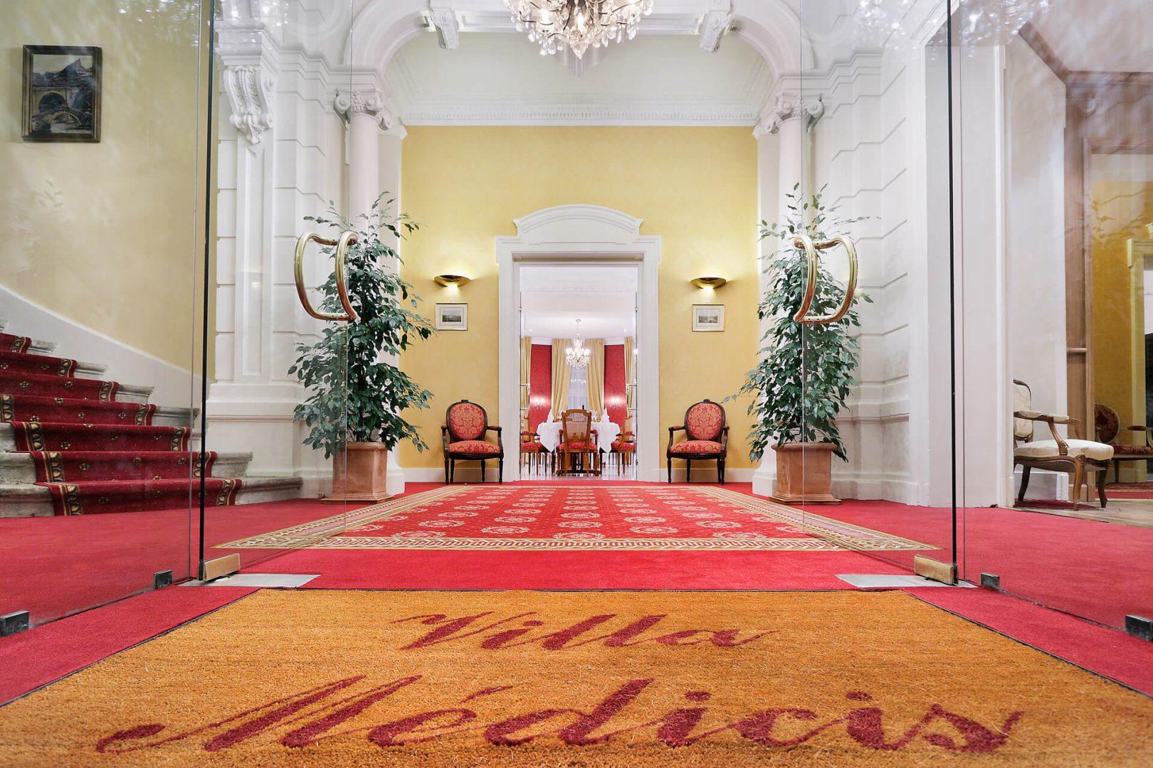 Entrée Villa Médicis Besançon - Résidence senior Besançon