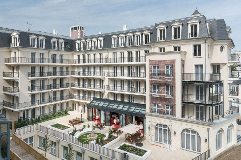 Bâtiment avec balcon de la Résidence Villa Médicis Puteaux
